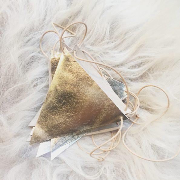 Garland Gold, slinger - Jee Bags, unique handmade leather bags, unieke handgemaakte leren tassen, Janneke Peters